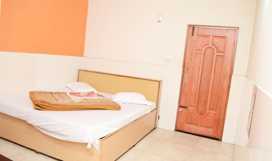 Hotel Kurunji Park, Charring Cross,