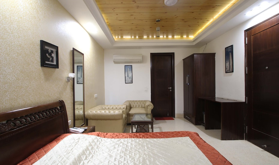 North East Residency, Golf Course Road,