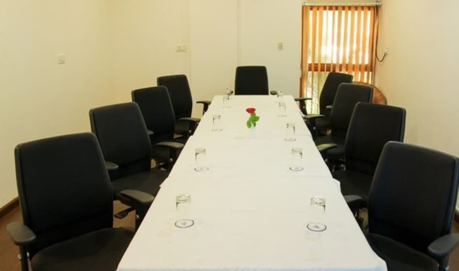 Infocity Clubs And Resort, Airport - Gandhinagar Road,