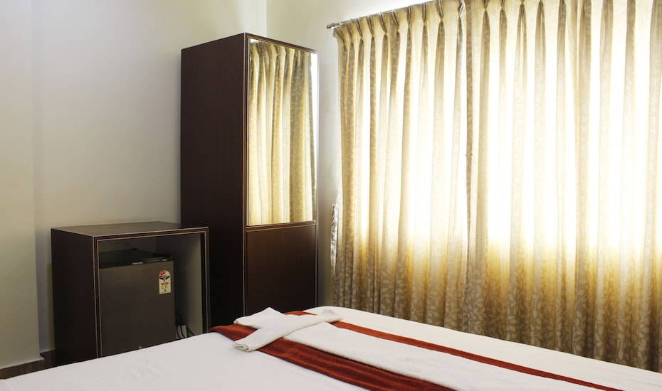 Manar Luxury Suites, Humayun Nagar,