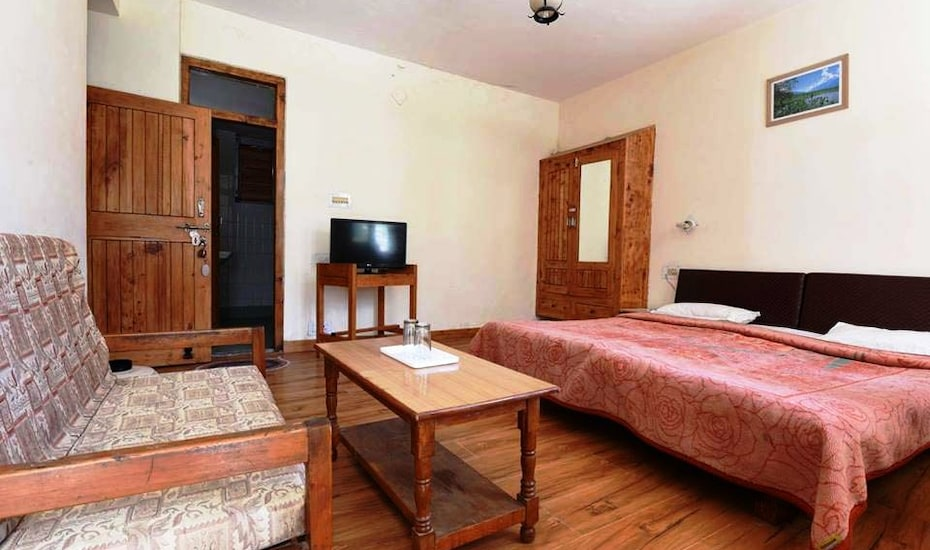 Tourist Hotel, Circuit House Road,