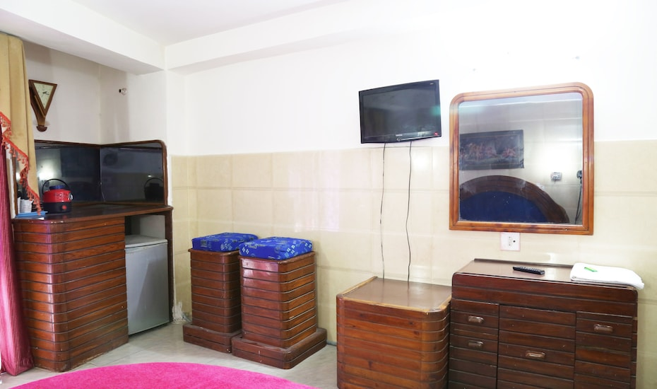 Hotel Jammu International, Gurudwara Sunder Singh Road,