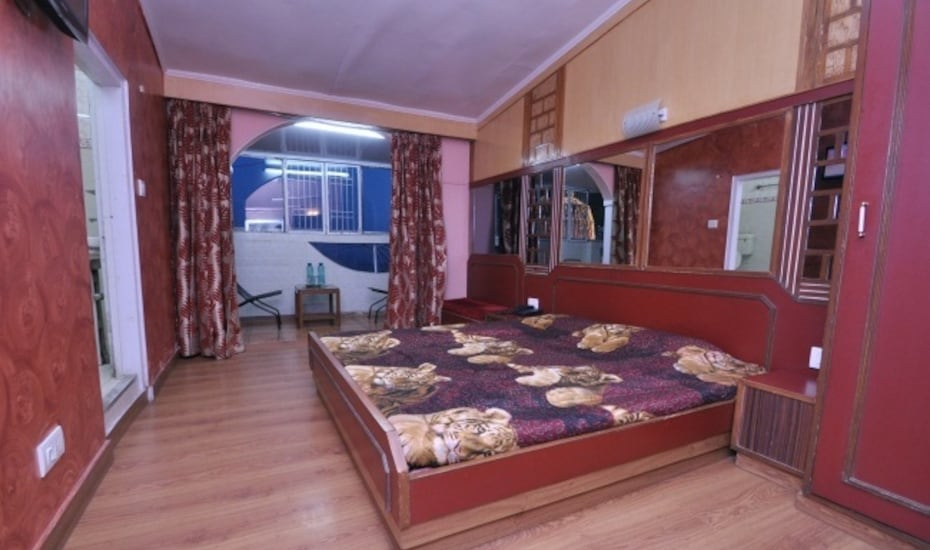 Hotel  Sidarth Regency, Cart Road,