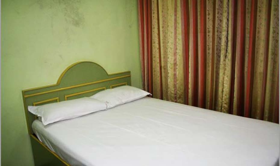 Diamond Guest House, Dhobi Talao,