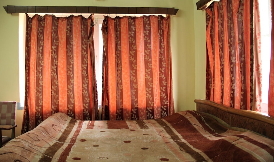 Hotel Bengal Lodge, Dal Lake,