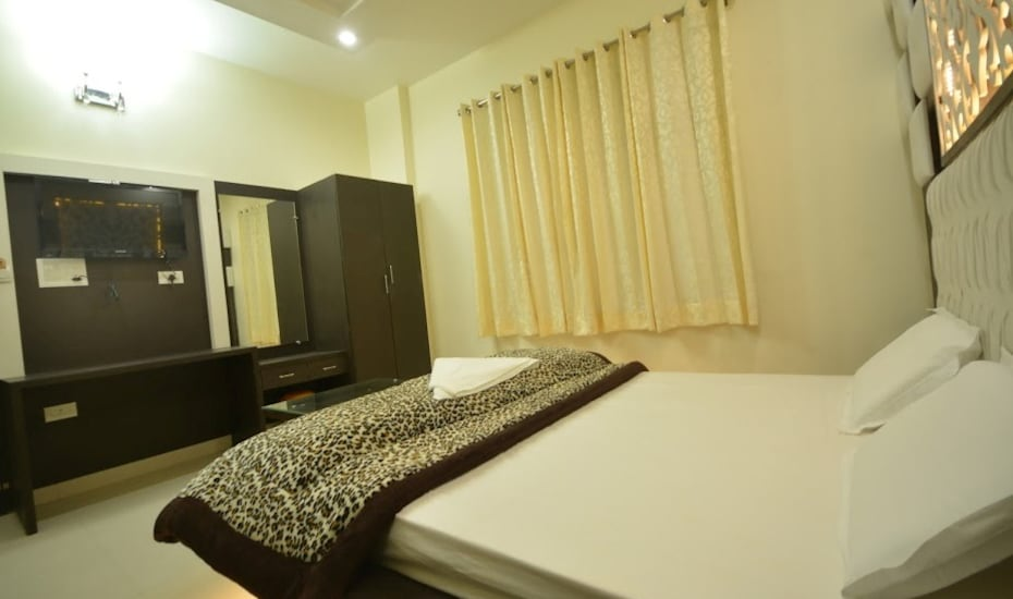 Hotel Nayyar, Near Golden Temple,