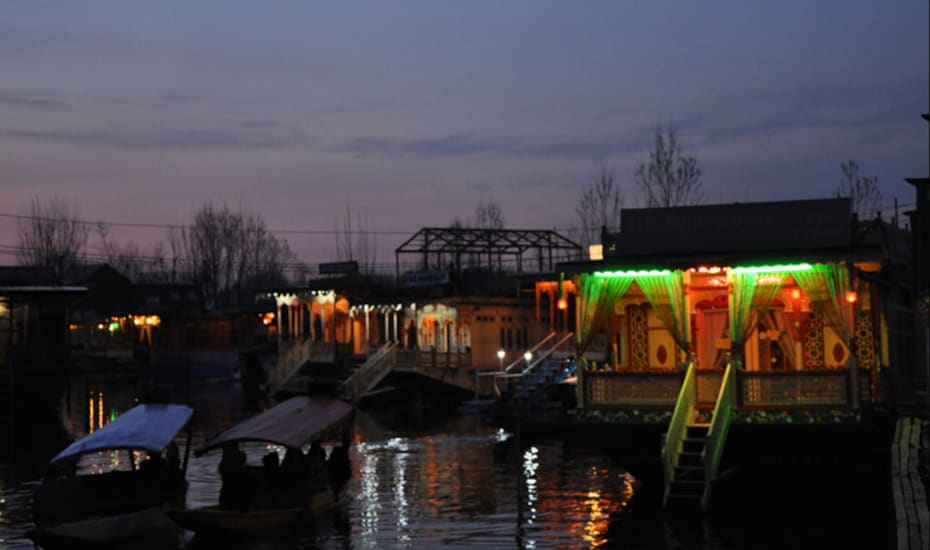 Morning Glory Houseboat, Dal Lake,