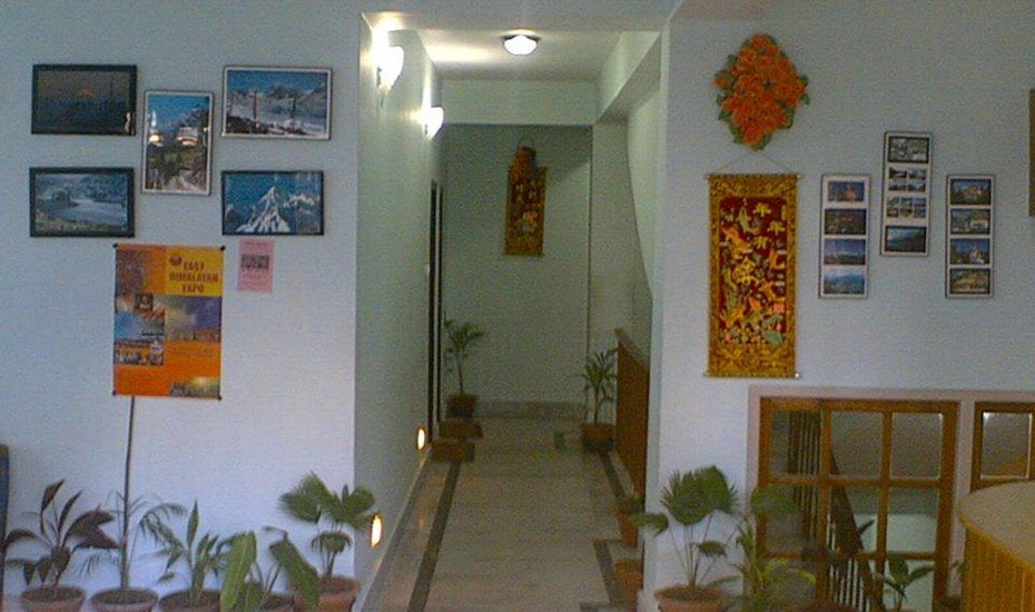Hotel Disha, Church Road,