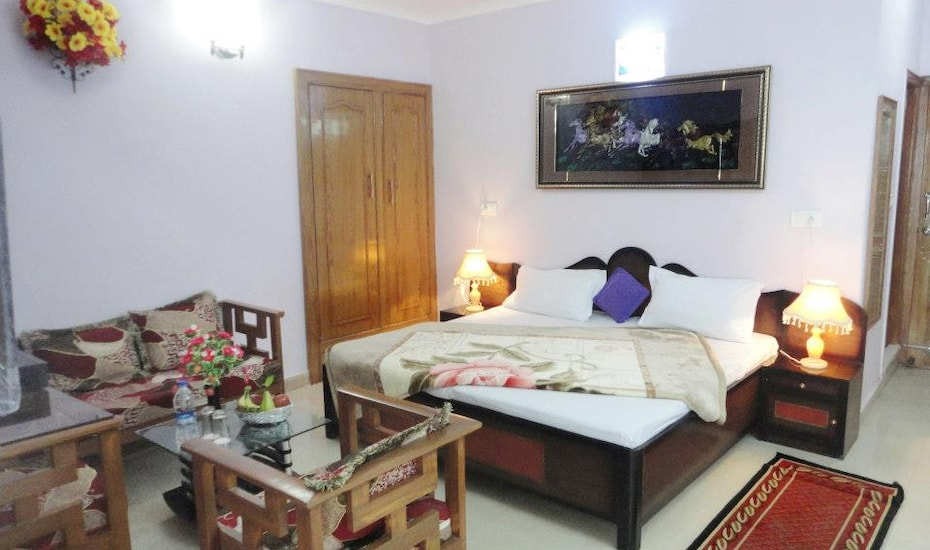 Hotel Misty Heights, Bhowali,