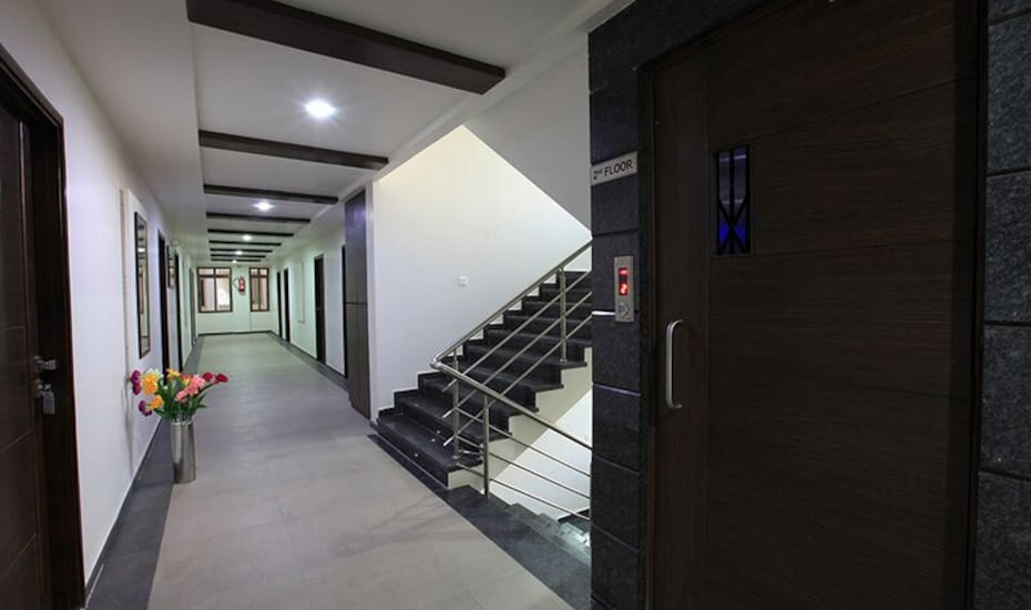 Hotel Galaxy Inn, Airport - Gandhinagar Road,