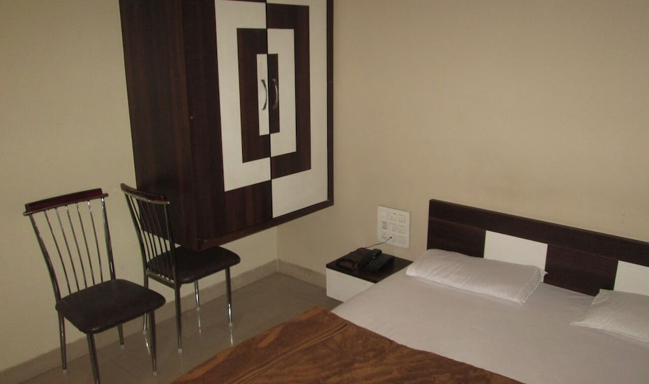 Great Sagar Lodging, ,