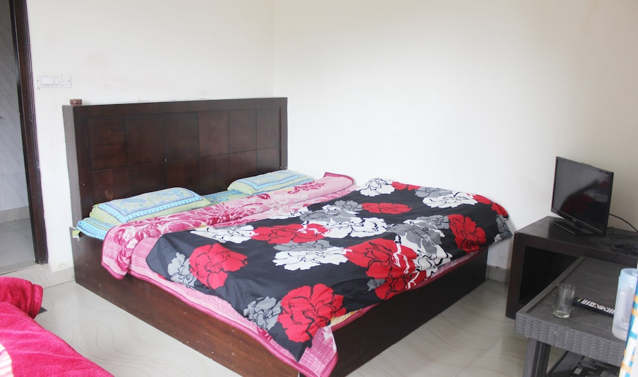 Mayank Residency, Library Road,