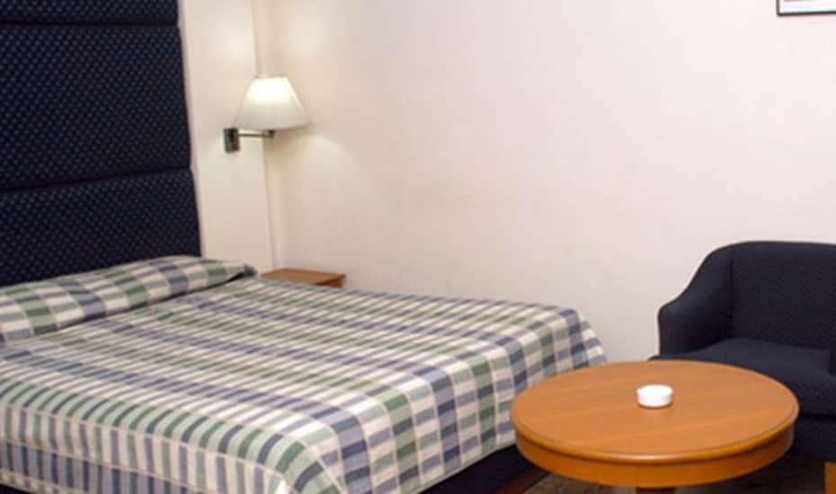 Airport Hotel, Janpath,