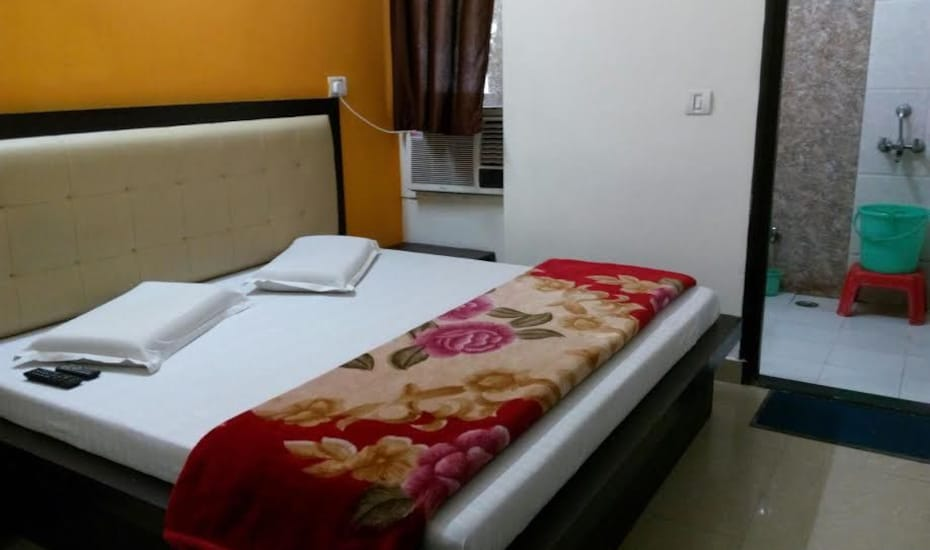 Hotel S. D. International, Rakab Ganj,