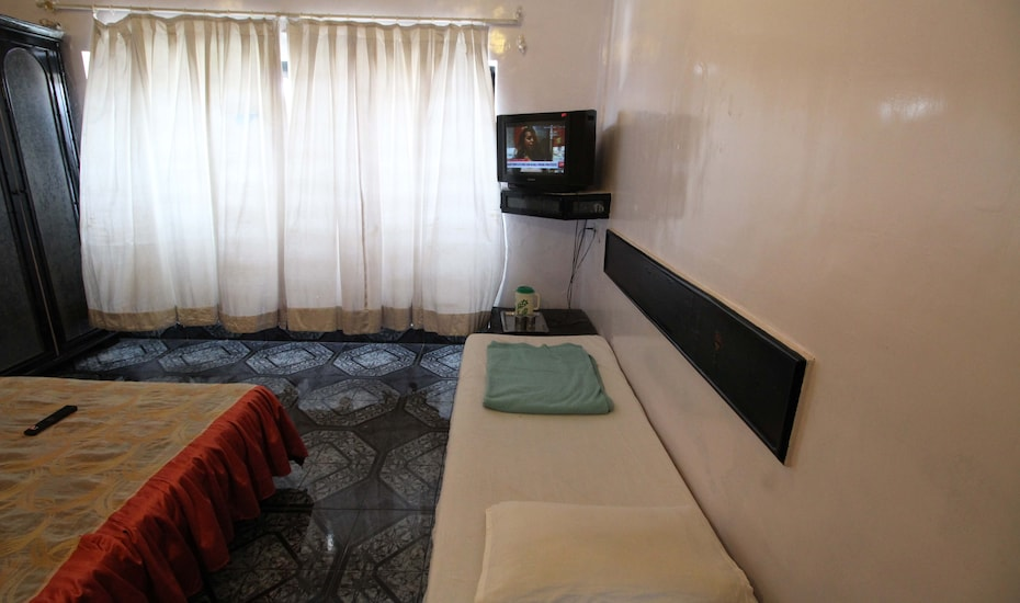 Poona Guest House Laxmi Road, Central Pune,