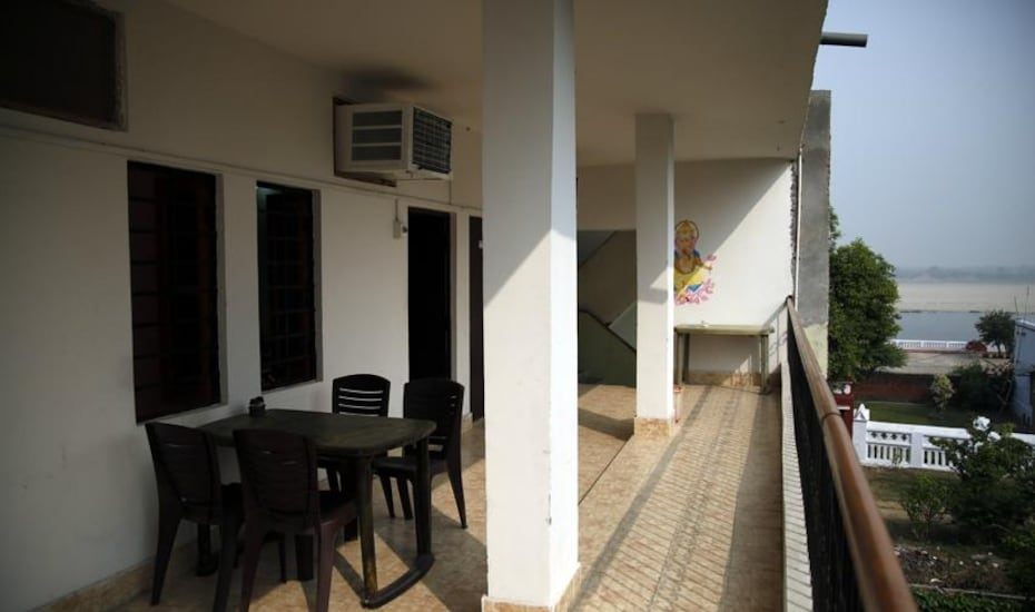 Om Home Guesthouse, Dasaswamedh Ghat,