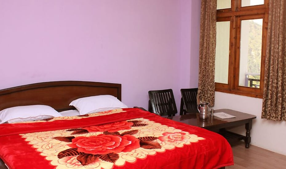 Hotel Solitaire, Kufri Chail Road,