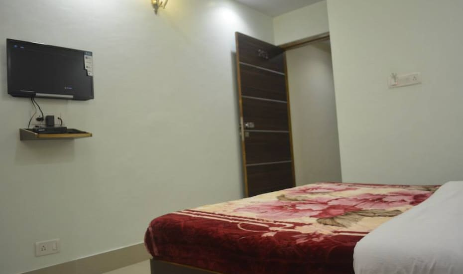 Hotel Ramji, Station Road,