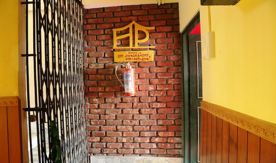 Hotel Polok, Arithang Road,