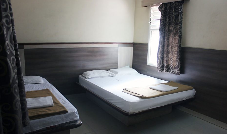 Hotel Sumanth Lodge, ,