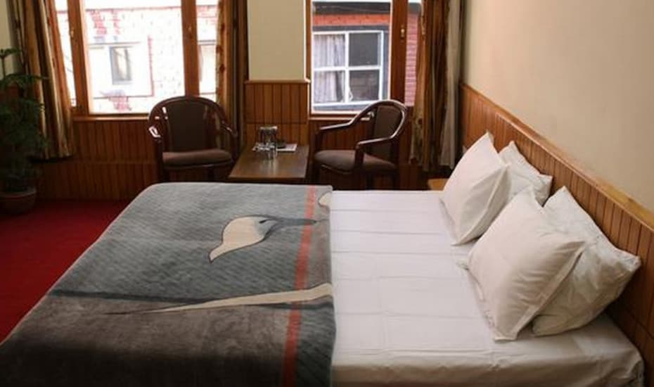 Hotel Manali Van Vihar, The Mall,