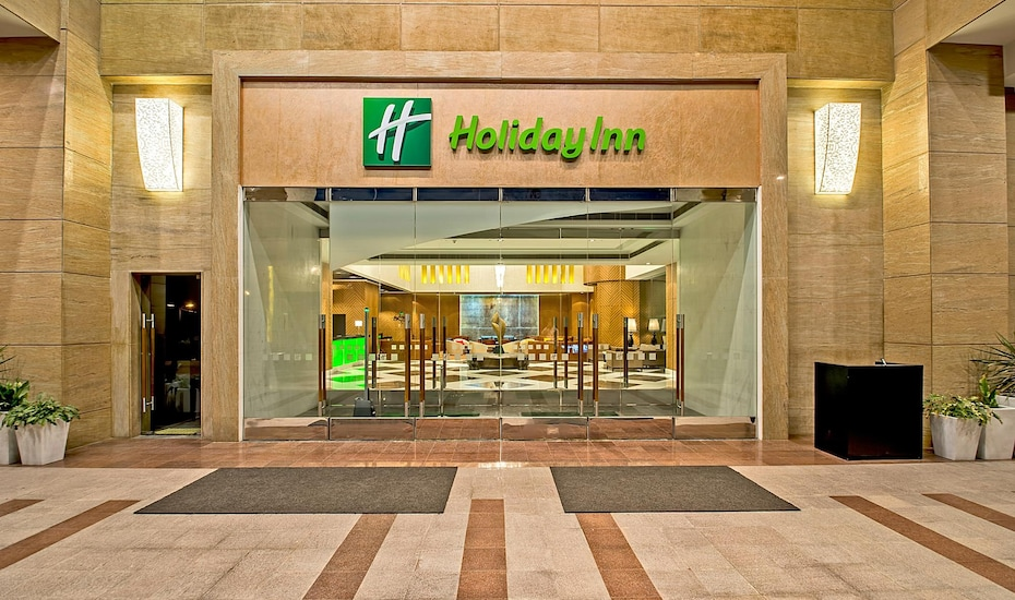 Holiday Inn, Ranjit Avenue,