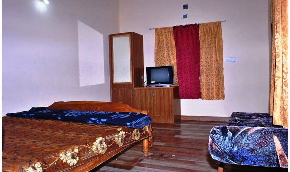 Daney Pambarpuram Guest House, ,