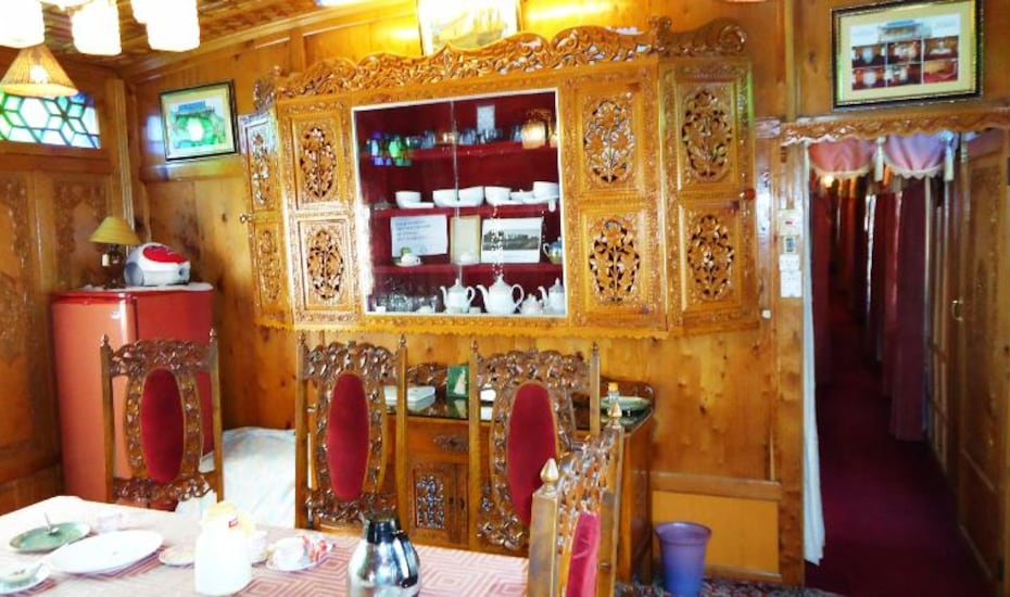 H.B Manila Houseboat, Dal Lake,