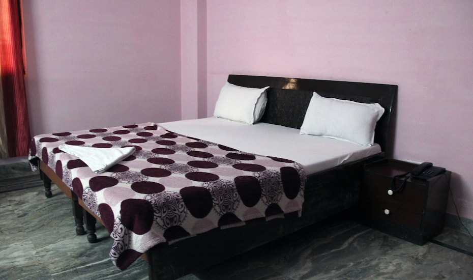 Ravish Guest House, Sector 62,