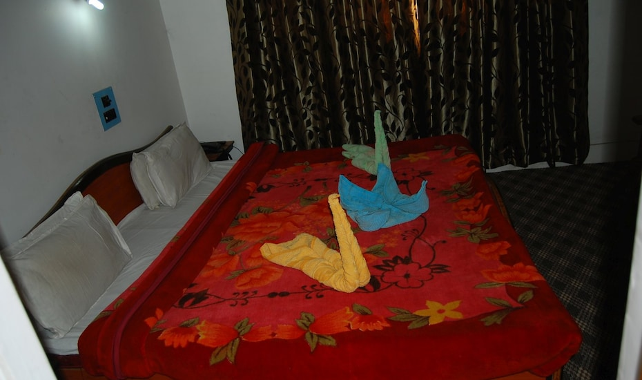 Snow Kashmir Guest House, ,