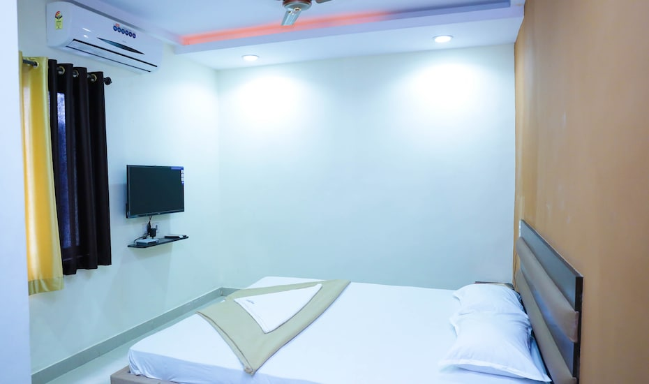 Hotel Celestee Grand, Nampally,