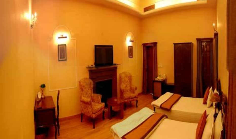 Hotel 4 TolStoy, Connaught Place,