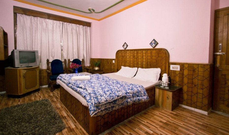 Hotel New River West, Kanyal Road,