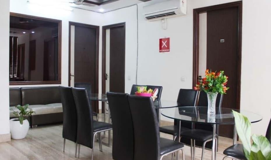 Hotel Delhi Marine Club, Cyber City,