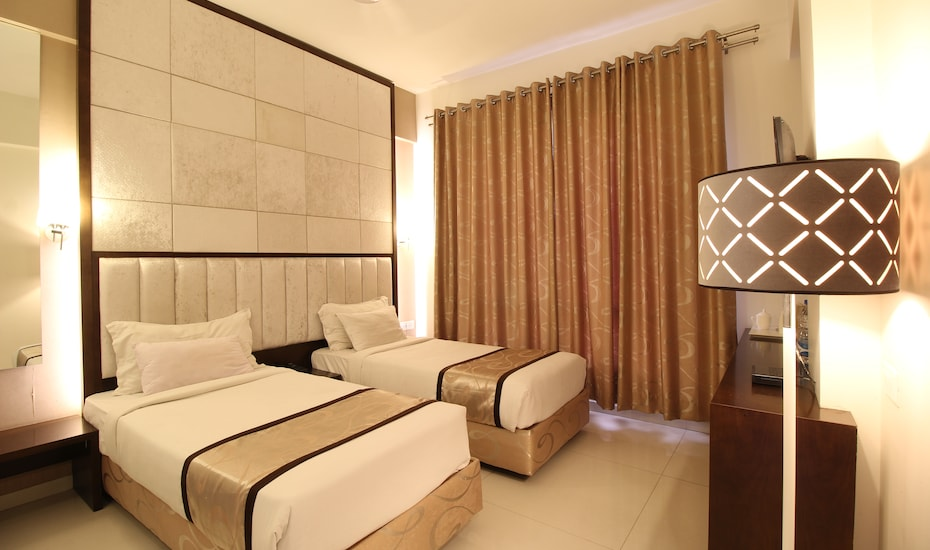 Hotel Silver Inn, none,