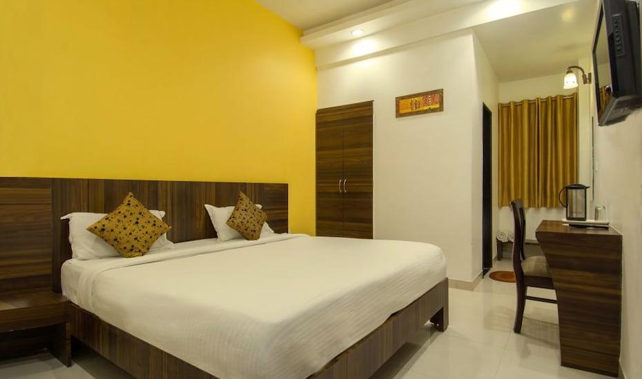 Hotel Metropolitan, Jaipur Railway Station,
