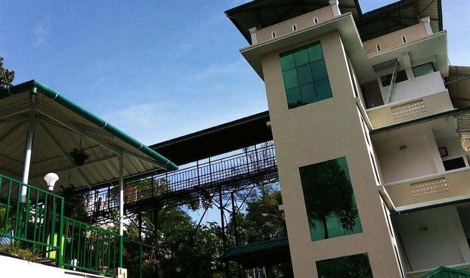 River Tree Munnar Hotel, ,