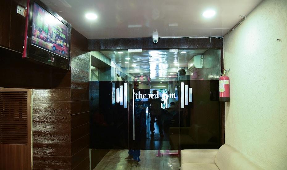 Evergreen Hotel, Khar,