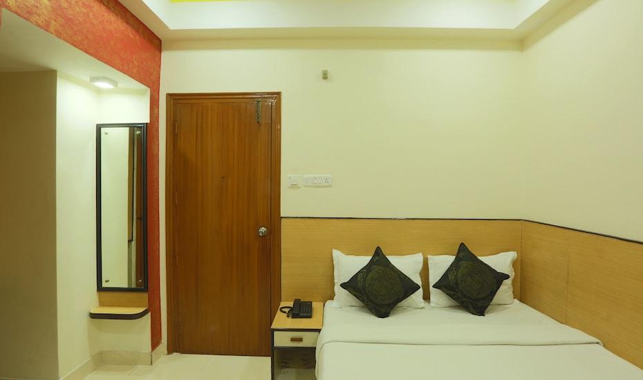 Hotel Sunview International, G.S.ROAD,