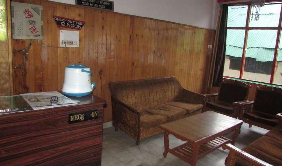 Daulat Hotel, Mall Road,