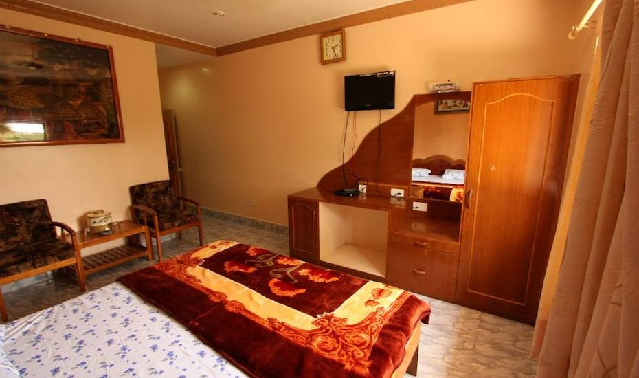 Hotel Triveni, Naida Road,