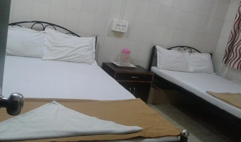 Hotel Central Inn, --None--,