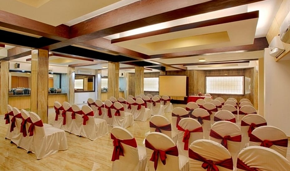 Arif Castles Hotel, Hazratganj,