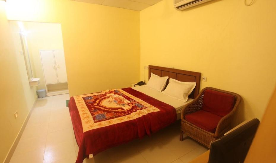 Massara Beach Resort, Jawaharlal Nehru Road,