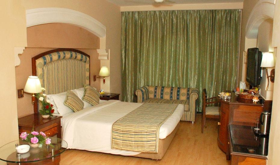 Revival Lords Inn, Sayaji Ganj,
