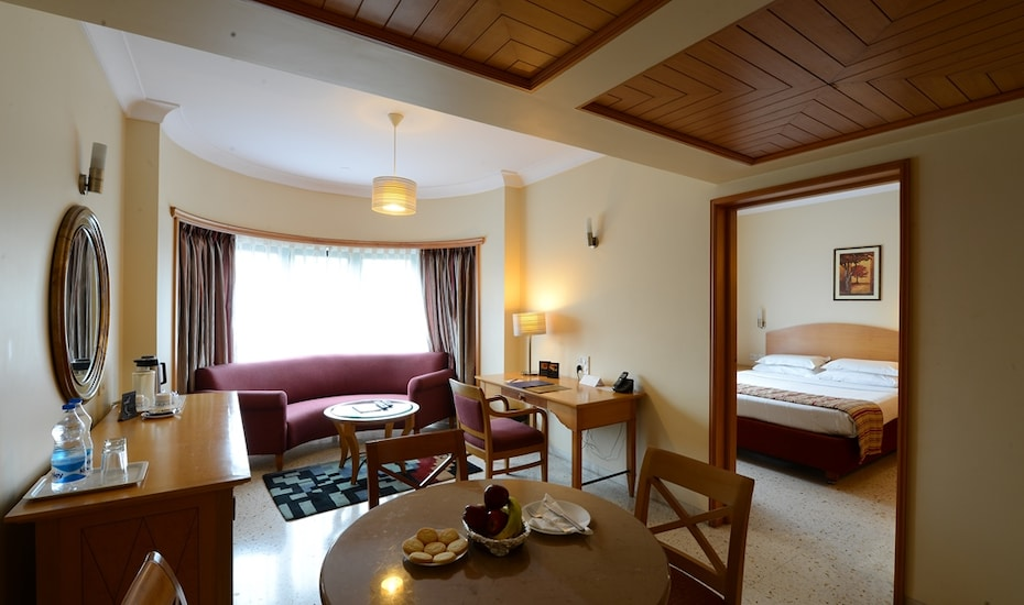 The Oakwood Hotel, Deccan Gymkhana,