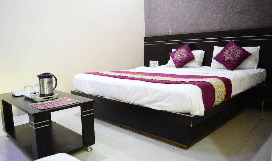 Hotel Shri Niwas,Indore