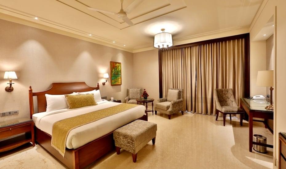 Hotel Maharaja Regency, Aarti Chowk,