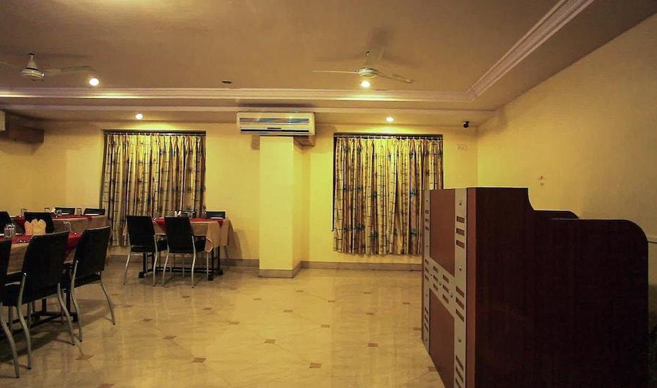 Hotel Kala Sai, Near Temple,