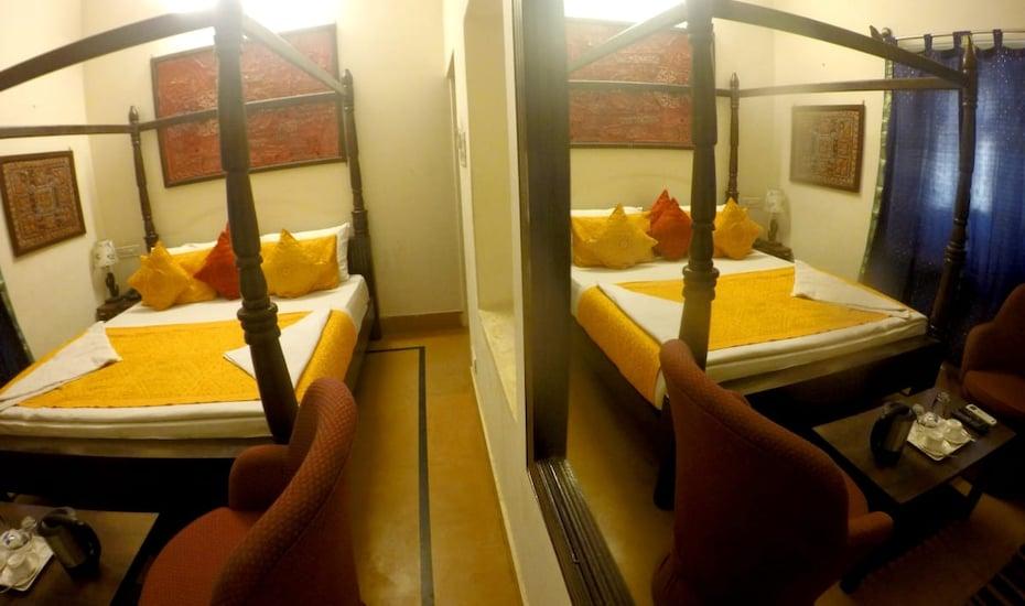 Hotel Apollo, none,